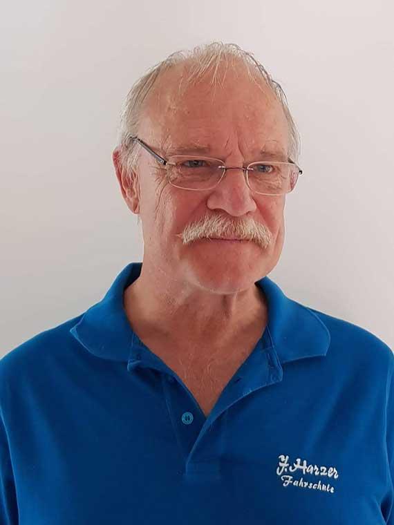 Joachim Harzer, Fahrschule Harzer
