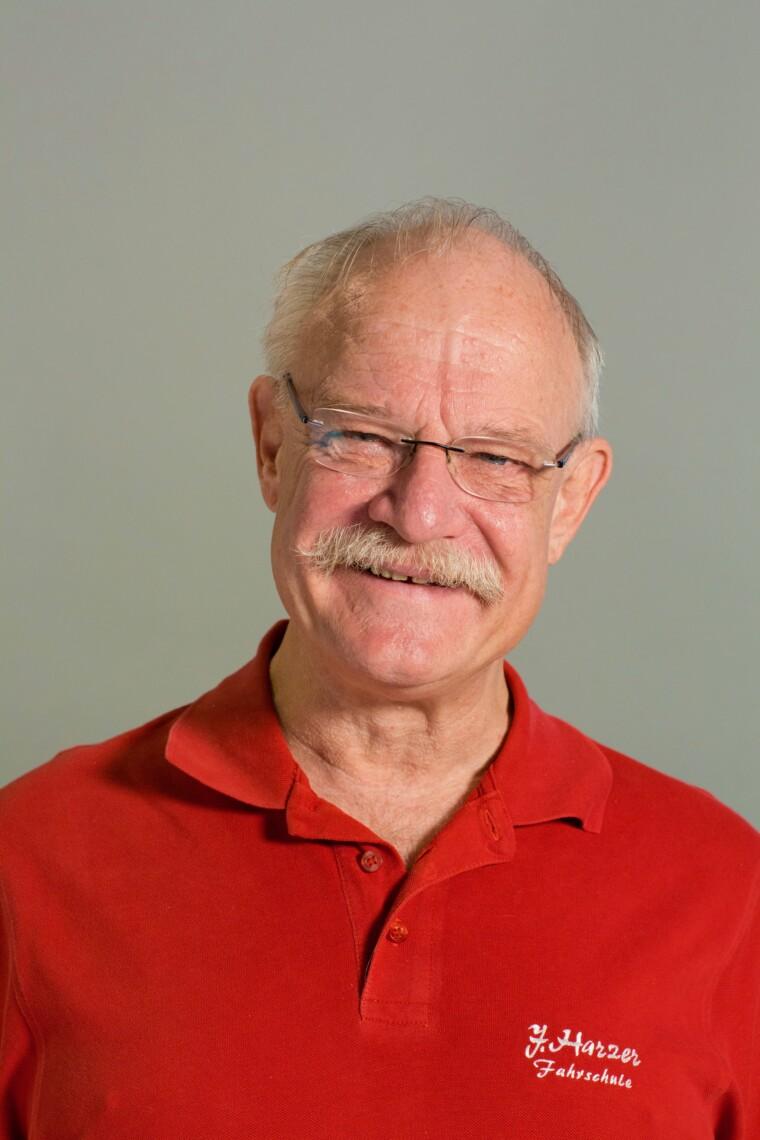 Joachim Harzer, Inhaber der Fahrschule Harzer